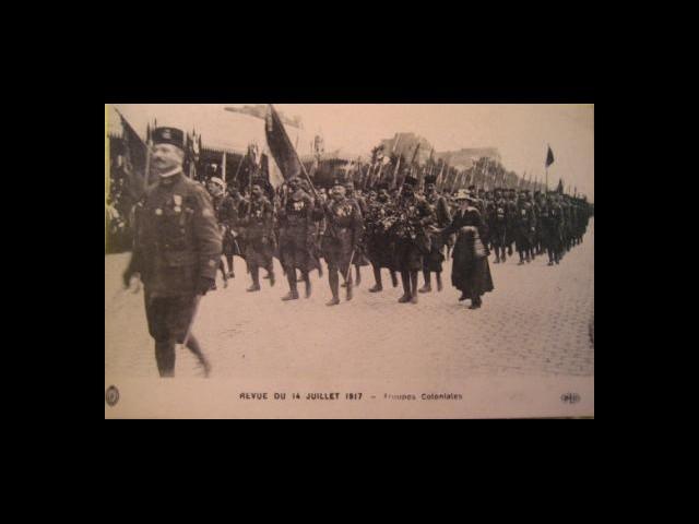Revue du 14 juillet 1917 – troupes coloniales