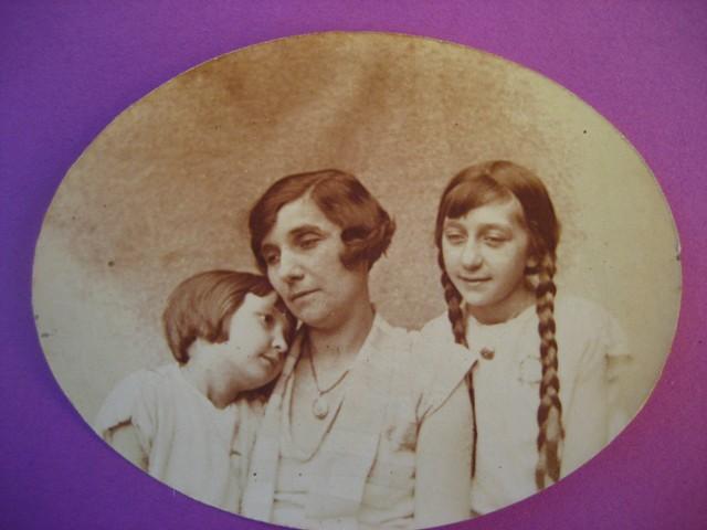 Monique, Emilie et Suzette - 1926