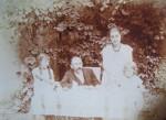 Suzette, Marcel, Emilie et Monique - 1926